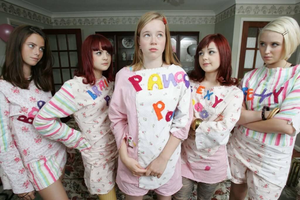 Pandora et les filles, dans Skins