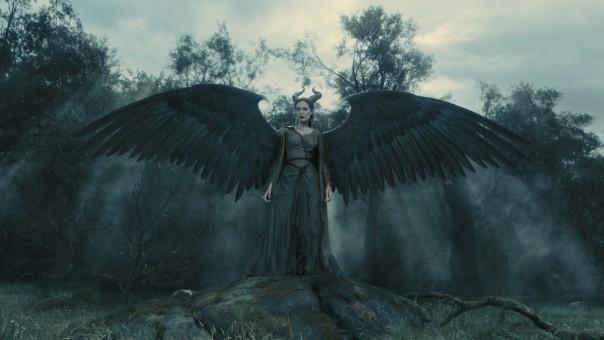 Maléfique, qui a encore ses ailes