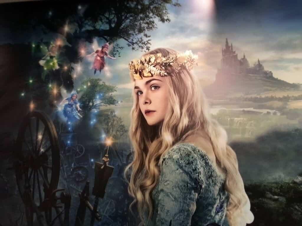 La princesse Aurore, jouée par Elle Fenning