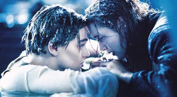 Jack s'apprête a se laisser mourir pour sauver Rose du naufrage du Titanic