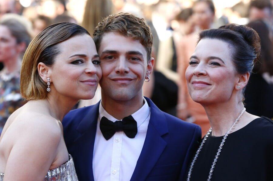Xavier Dolan et les deux actrices principales
