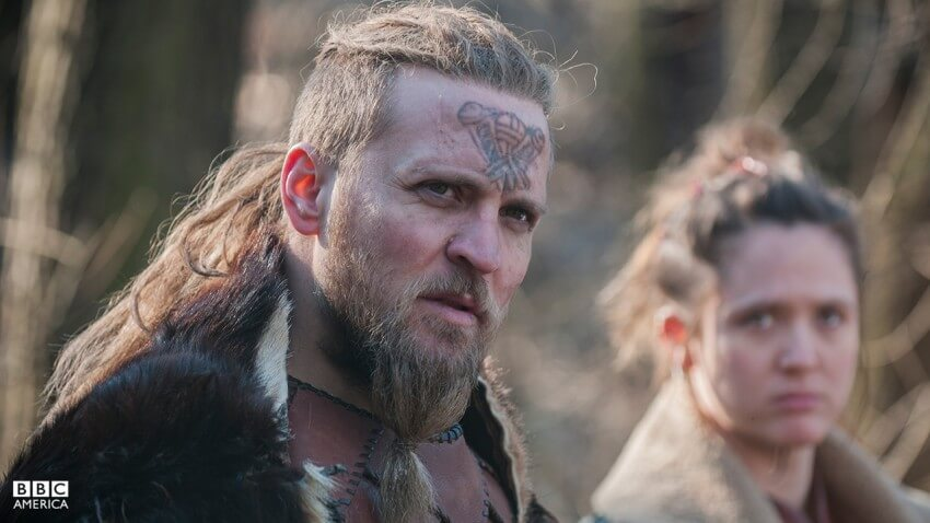 the last kingdom serie ragnar le jeune