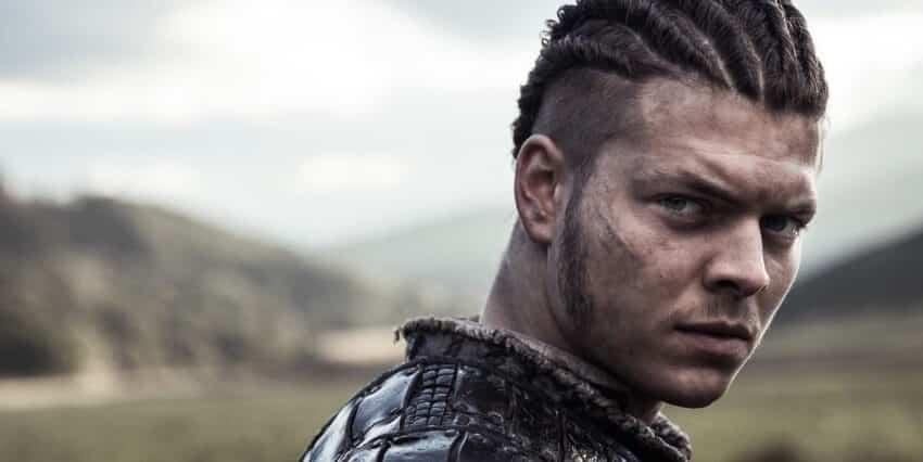alex-hogh-andersen-as-ivar-le desosse vikings