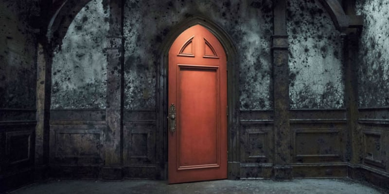haunting-hill-house-red-door-netflix