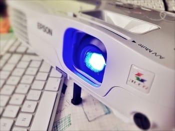 Comment choisir son mini-projecteur ?